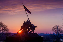 Iwo Jima Memorial Washington DC USA på soluppgång Arkivbilder