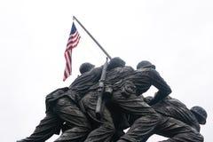 Iwo Jima staty på vit Arkivbilder