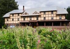 Izaak histórico Walton Hotel perto do parque nacional de geleira em Montana foto de stock royalty free