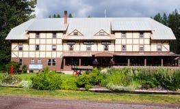 Izaak histórico Walton Hotel perto do parque nacional de geleira em Montana foto de stock