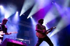Izal musikband i konsert på den Dcode festivalen Royaltyfri Bild