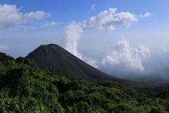 Izalco wulkan, widzieć od jeden widoków punkty w Cerro Verde parku narodowym blisko Santa Ana, Salwador zdjęcie stock