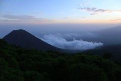 Izalco wulkan, widzieć od jeden widoków punkty w Cerro Verde parku narodowym blisko Santa Ana, Salwador fotografia royalty free