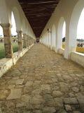 Izamal修道院的俏丽的曲拱  库存照片