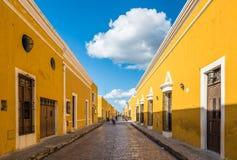 Izamal żółty kolonialny miasto Jukatan, Meksyk zdjęcie stock
