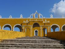 Izamal Mexico Yucatan church yellow City monastery convent Stock Photography