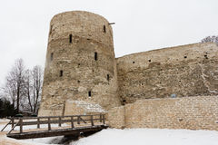 Izborsk堡垒在冬天 库存照片
