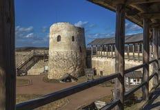 Izborsk_Russia - kamienna fortyfikacyjna struktura Izborskfortress zdjęcia stock