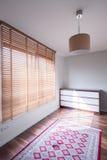 Izbowy wnętrze z dużym okno Fotografia Stock