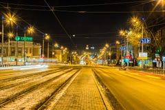 izhevsk Abendansicht von Winterstadtstraßen Lizenzfreie Stockbilder