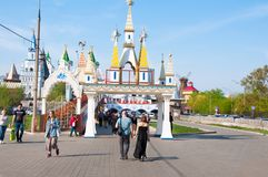 Izmailovo Kremlin main entrance, gathering all the best that was in the royal residence, crowd of tourists go sightseeing. Moscow, Russia-May 07,2018: Izmailovo Stock Photography