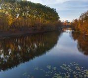 Izmailovo-Park im Herbst in Moskau, Russland stockfotografie