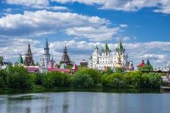 Izmaylovsky het Kremlin in Moskou stock afbeeldingen