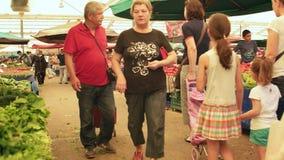 IZMIR - JULI 2015: Grootste en meest overvole bazaar in Izmir-Turkije stock footage