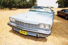 IZRAEL, PETAH TIQWA - MAJ 14, 2016: Wystawa techniczni antyki Buick frontowego widoku samochód w Petah Tiqwa, Izrael Zdjęcia Royalty Free
