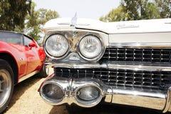 IZRAEL, PETAH TIQWA - MAJ 14, 2016: Wystawa techniczni antyki Cadillac De Ville frontowego widoku samochód w Petah Tiqwa, Izrael Zdjęcia Stock