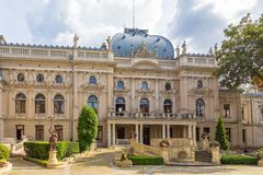 Izrael Poznanski ` s宫殿是19世纪宫殿在罗兹,波兰 免版税库存照片