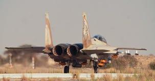 Izraelicka siły powietrzne F-15 taxiing na pasie startowym przed start zdjęcie wideo