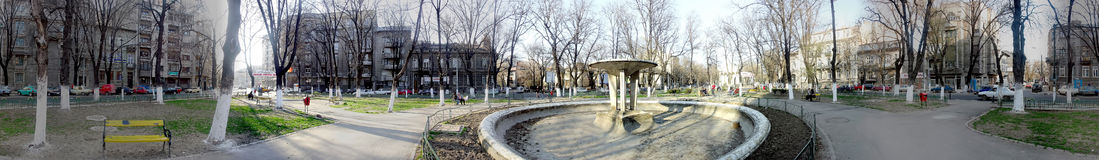 Izvorul Rece公园,布加勒斯特, 360度全景 免版税库存照片