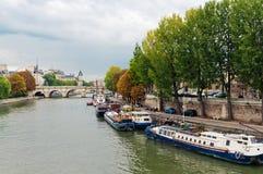 Jábega del río en París Foto de archivo libre de regalías