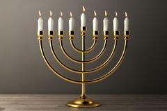 Jánuca de oro retro Menorah con las velas ardientes representación 3d