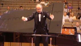 JÁRKOV, UCRANIA, el 15 de mayo de 2018: Concierto de la orquesta sinfónica Kapellmeister almacen de metraje de vídeo