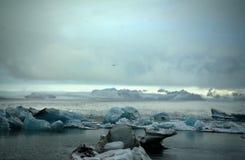 Jökulsà ¡ rlà ³ ν η λιμνοθάλασσα παγετώνων στην Ισλανδία Στοκ Εικόνα