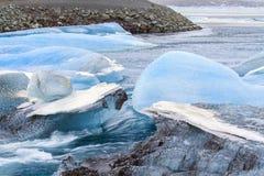 JökursÃ-¡ rlà ³ n: der Strand von icerber, von Eis und von Kälte Stockfotos