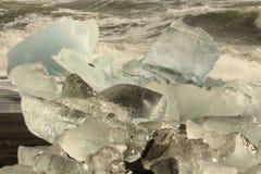 JökursÃ-¡ rlà ³ n: der Strand von icerber, von Eis und von Kälte Lizenzfreie Stockfotos