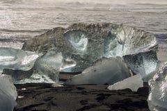 JökursÃ-¡ rlà ³ n: der Strand von icerberg, von Eis und von Kälte Lizenzfreies Stockfoto