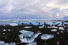 Jökursà ¡ rlà ³ n: het strand van icerber, ijs en koude Stock Foto
