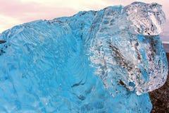Jökursà ¡ rlà ³ n: het strand van icerber, ijs en koude Stock Afbeelding