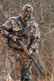 Jägare i kamouflage Arkivfoto
