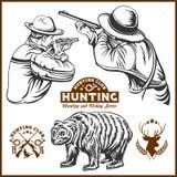 Jägare och björn - vektorn isolerade illustrationen plus jägare klubbar logo Royaltyfria Bilder