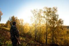 Jägare på gryning Fotografering för Bildbyråer