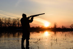 Jäger bei Sonnenuntergang Lizenzfreie Stockfotos