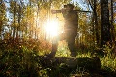 Jäger an der Dämmerung Lizenzfreies Stockbild