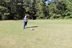 83-jähriger alter Fußballspieler Stockbild