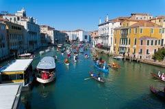 Jährlicher Karneval an der Stadt von Venedig, Italien Stockbilder