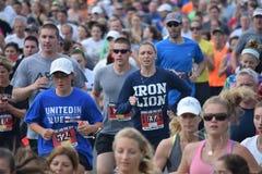 Jährlicher Memorial Day -Raceim frühjahr See Stockfoto