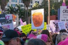 2. jährliches Frauen ` s März - Höllen-Perücke Lizenzfreies Stockfoto