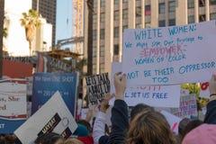 2. jährliches Frauen ` s März - weiße Frauen Stockfotos