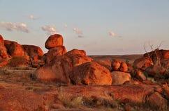 Jäkelmarmor (Karlu Karlu) nordligt territorium, Australien Arkivfoto