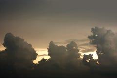 Jäkelmoln- och solnedgångbakgrund Royaltyfria Foton