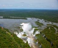 Jäkels halsvattenfall av Iguazuen Royaltyfri Bild