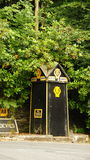 Jäkels undertecknar den gamla motorförbundet för bro in Wales Royaltyfria Bilder