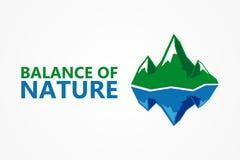 Jämvikt av naturen Berg och isberg Royaltyfri Foto