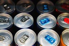 Järn på burk med sodavatten, energi eller öl eller locket N?rbild arkivfoton