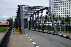 Järnbro på Chiang Mai Arkivbild