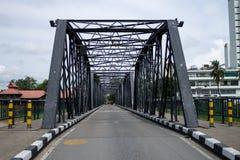 Järnbro på Chiang Mai Royaltyfri Bild